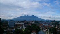 Mountain and Town von sahala alberto