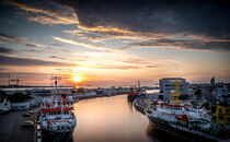 Bremerhaven bei Sonnenuntergang von Paul Simon