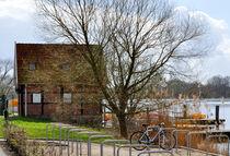 Haus am See by Heinz Munk