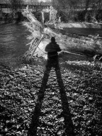 Shadow Man schwarz-weiß Poster von Robert H. Biedermann