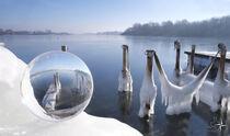 Eislandschaft in der Kugel by Rolf Müller