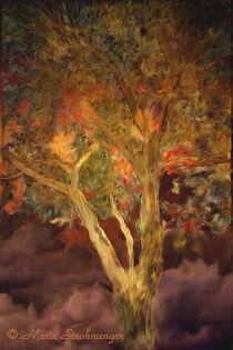 Herbstbaum auf lila Untergrund von Marie Luise Strohmenger