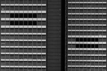 Schwarze Fenster  von Bastian  Kienitz