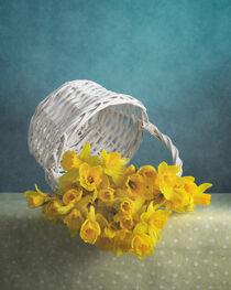 Gelbe Blumen / Yellow Flowers 5(9) by Nikolay Panov