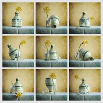Striped Green Vase and Narcussus * Gestreifte grüne Vase und Narzisse von Nikolay Panov