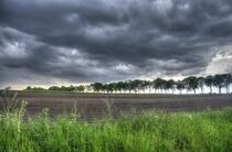 Weite mit Wolken von Edgar Schermaul