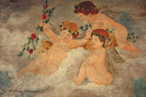 Angel-fresco-antique
