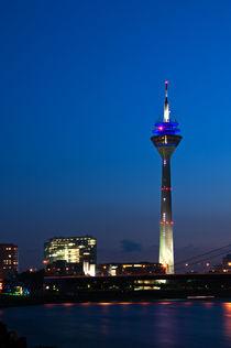Rheinturm Düsseldorf von Markus Hartmann