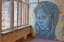 Dame am Fenster by bagojowitsch