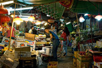 Hongkong night Market by Thierry  Dehesdin