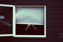 Peeking von Natascha Narvaez
