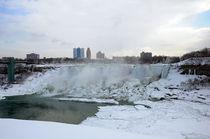 American Falls, Niagara Falls by Julian Sheen