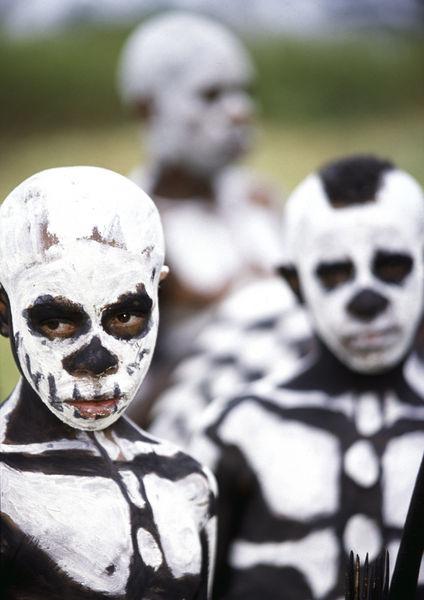 Bimbo-scheletro-con-sfondo1