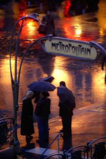 Metropolitain by Arnold Jerocki