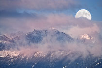 Full Moon Set over Mt Constance von Ed Book