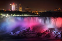Niagara At Night von Paul Lemke