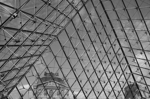 Paris-louvre-1129b-w
