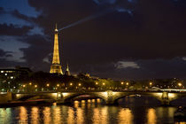Paris At Night von Pete Saloutos