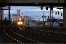 Train approaching. von Felix Pütsch