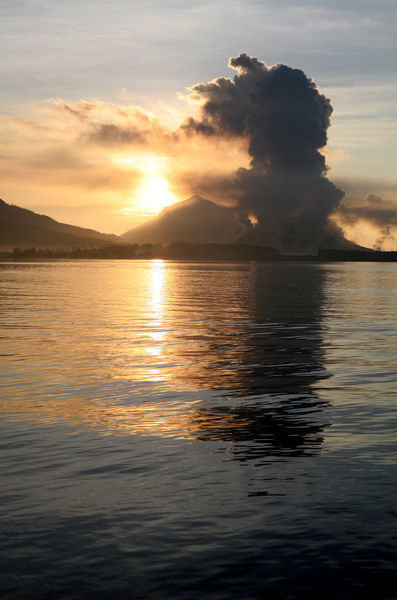 Mt-tavurvur-sunrise-2646