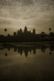 Angkor-wat-classic-golden-tint