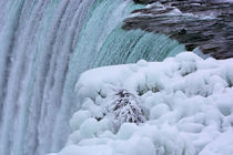 Niagara-falls-winter-at-the-brink-1
