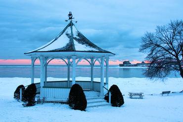 Niagara-on-the-lake-gazebo-at-dawn