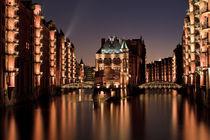 Speicherstadt bei Nacht by Stefan Kloeren