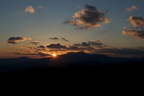 Sunset-behind-north-carolinas-grandfather-mountain-on-a-fall-day
