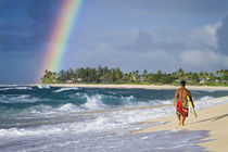 Hawaiian rainbow by Sean Davey