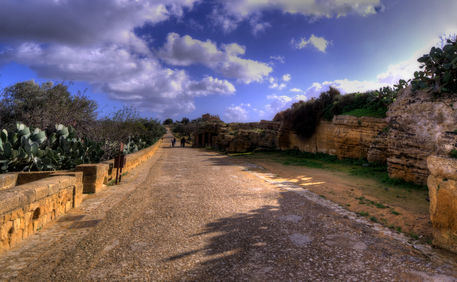 Hdr-image-of-the-valley-of-the-temples-05