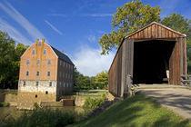 Historic Grist Mill and covered bridge in Burfordville, Missouri. von Danita Delimont