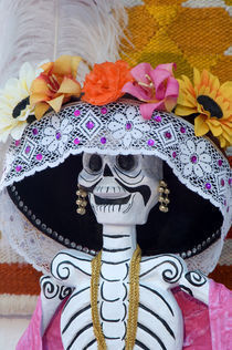 Mexico, San Miguel de Allende, Skeleton with hat on Day of The Dead festival von Danita Delimont