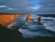 Evening light on the Twelve  Apostles, southern coast of Victoria, Australia von Danita Delimont
