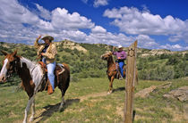 Horseback on the Maah Daah Hey Trail in North Dakota,  MR von Danita Delimont