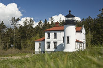 Admiralty Lighthouse and Ft. Warden on Whidby Island, WA von Danita Delimont