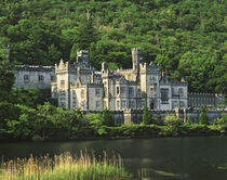 Europe, Ireland, County Galway, Connemara. View of the Kylemore Abbey von Danita Delimont