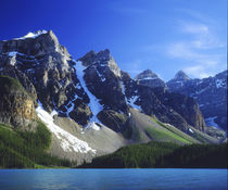 Canada, Alberta, Banff National Park, Moraine Lake. von Danita Delimont