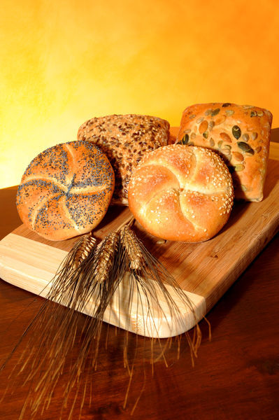 Bread-and-cereals-6-scontornato