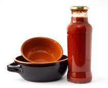 Tomato sauce and terracotta pots by Carla Zagni