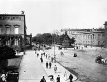 Unter den Linden,Palais Wilhelms I./Foto von AKG  Images