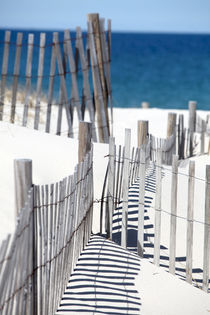 Beach Fence and Ocean von Christopher Seufert