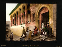 Araber vor Moschee in Tunis / Photochrom by AKG  Images