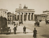 Berlin, Brandenburger Tor / Foto Levy von AKG  Images