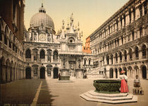Venedig, Innenhof / Photochrom by AKG  Images