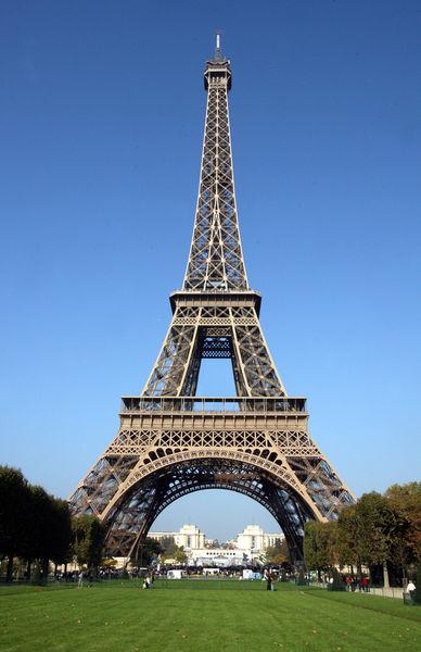 Eiffel-tower-paris-8