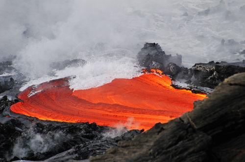 Kilauea-volcano-molten-lava-ocean-rm-haw-d319349