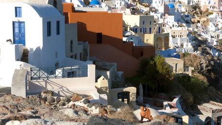 Santorini-oia-dwellings