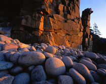 USA, Maine, Acadia National Park, Sunlight over the rocks von Panoramic Images