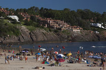 Tourists enjoying on the beach von Panoramic Images